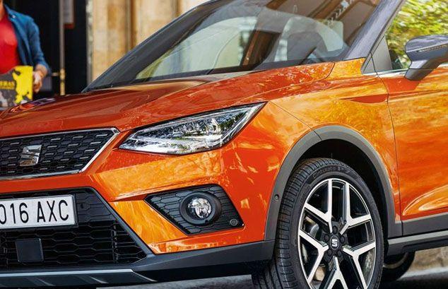 Seat Arona naranja exterior detalle foto